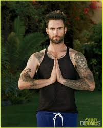 diambil dari http://www.justjared.com/photo-gallery/2603349/adam-levine-details-yoga-01/